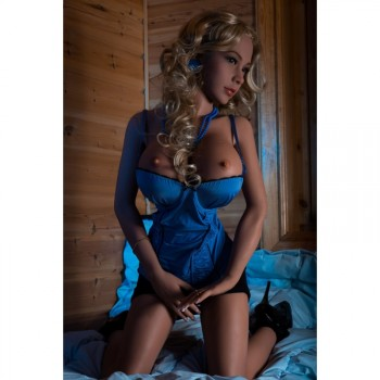 Love Doll Mélanie 155cm gros seins