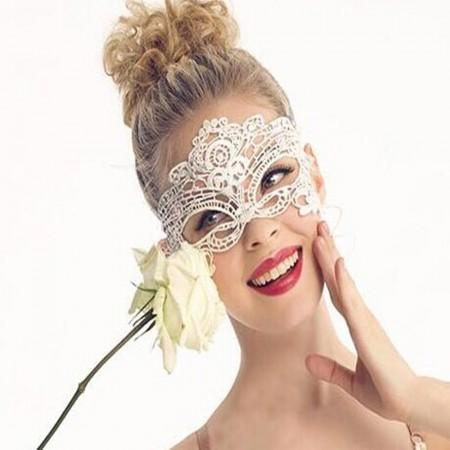 Maschera glamour di pizzo nero