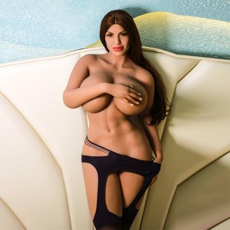 Poupée Sexuelle Aux Formes Généreuses LYDIA (176cm - 54kg)