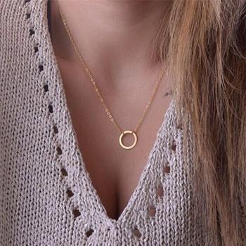Golden collana con ciondolo tondo